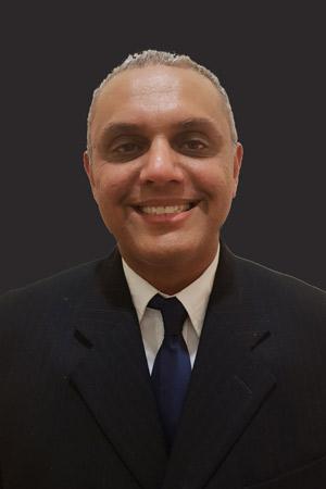 Dr Manir Mayat