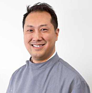 Dr Leo Tse Manningham Dentist