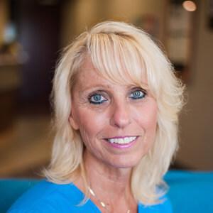 Chiropractor Bloomington front desk staff, Heidi