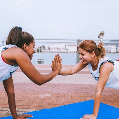Women team up exercises