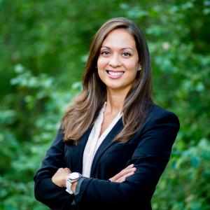 Chiropractor Eden Prairie Dr. Aleshka Calderon-Santini
