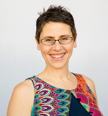 Rosanne Metz Headshot