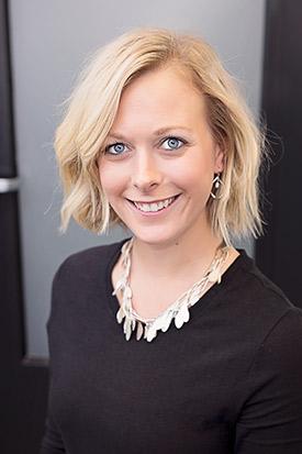 Photo of Dr. Nikki Olechowicz