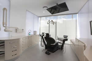dr-coumbis-clinic-3