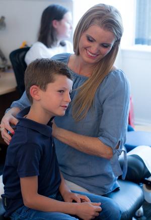 Eline with pediatric patient