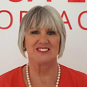 Debbie Singer headshot
