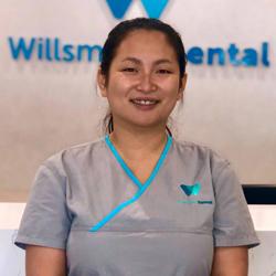 Ellen, Dental Assistant