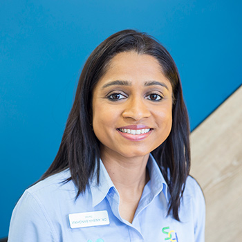 Dentist Munno Para West, Anisha Sanghavi