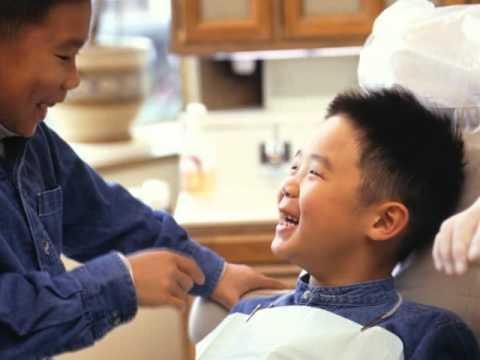 Kids at the dentist Shine