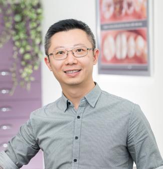 Dentist Elanora, Louis Lo