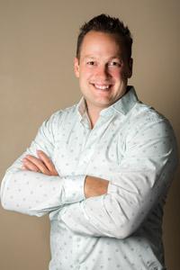 Chiropractor Irvine, Dr. Daniel Clements