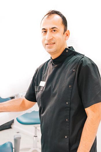 Bundoora dentist Dr Sanjay
