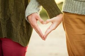 women heart hand