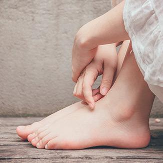 closeup photo of woman's bare feet