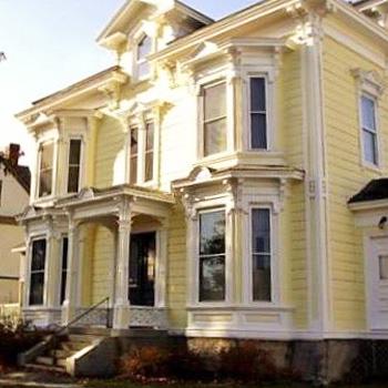 Bangor Family Chiropractic building