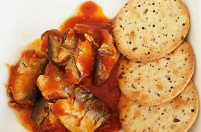 sardines with wheat biscuits