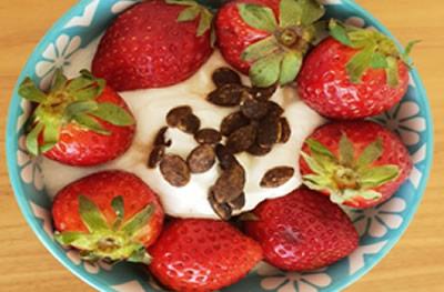 yoghurt with fruits