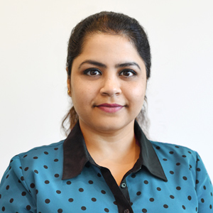 Dr Ishita Puri Dentist