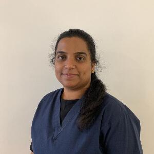 Dr Chitra, Ormeau Dentist