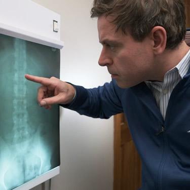 dr lucas analyzing xray