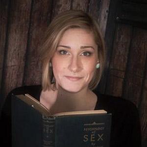 Essence Chiropractic Psychotherapist, Thyra Calvert