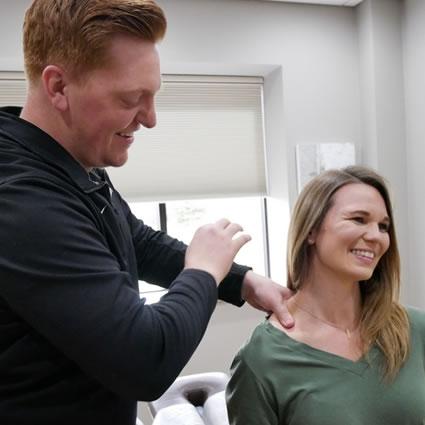 dr sundin treating female patient