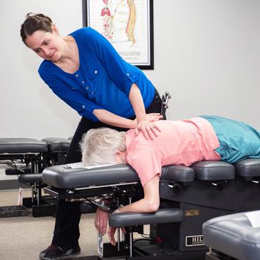 female-upper-back-adjustement