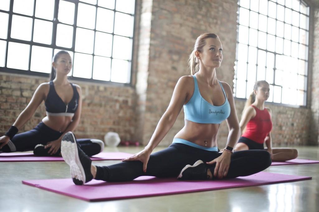 Women floor stretching