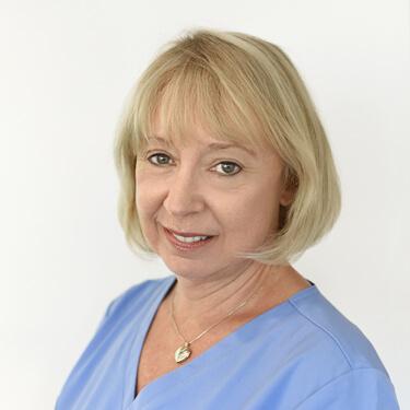 Dr Lynda Swaddling, Dentist