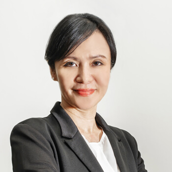 Jennifer Lam, Receptionist