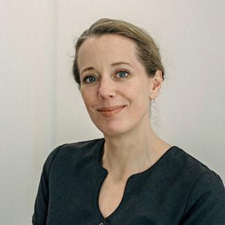Zoe Hunter-Smith, Dental Hygienist