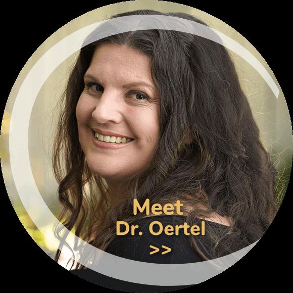 Dr Estelle Oertel headhot