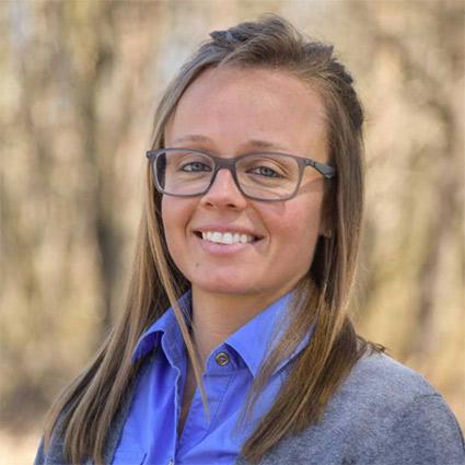 Chiropractor Dr. Anna Schueneman