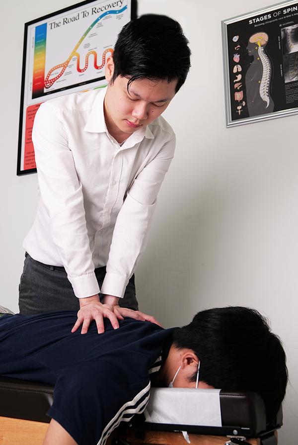 Dr Clarence adjusting back