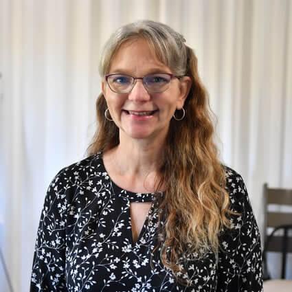 Dr. Jill Schneider headshot