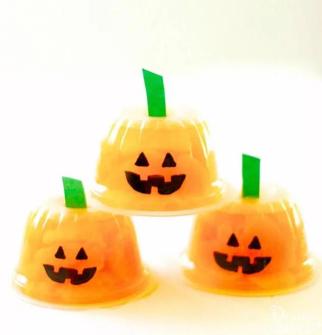 blog_halloween_pumpkin_fruit_cups