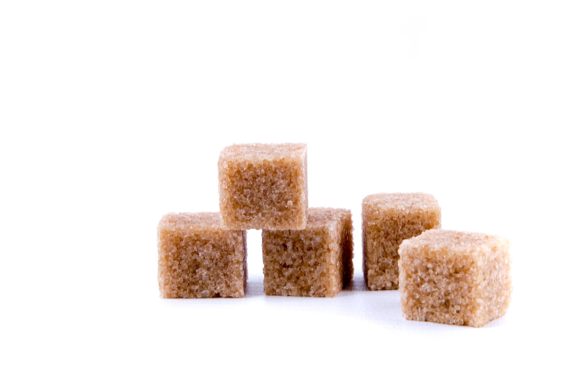 brown-cane-sugar-cubes-1462969684APB