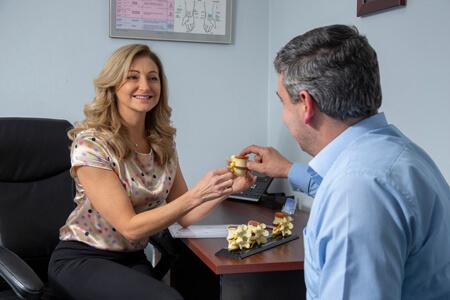 Dr Simone Bosman consulting patient
