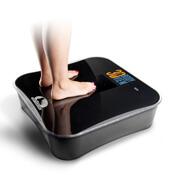 Patient standing on Foot Leveler sensor