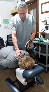erchonia-adjustor-on-female-patient