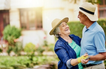 couple-gardening