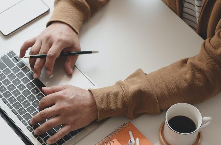 typing-man